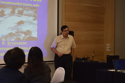Dr. Srinivasan presents at workshop